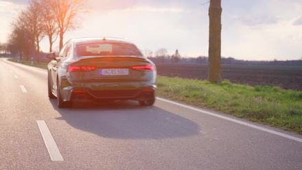 Audi RS 5 Sportback Sonoma green (Footage)